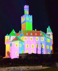 プロジェクションマッピングで鮮やかに彩られた「マルクスブルグ城」