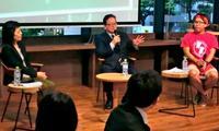 人気YouTuberがコーディネート! 就活のこと、沖縄タイムス社長に聞いてみた