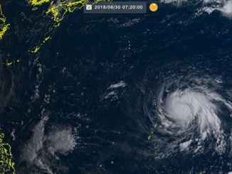 台風21号(7時20分現在、ひまわり8号リアルタイムWebから)
