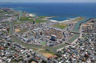 MICE施設が建設される与那原・西原町のマリンタウン東浜=2014年撮影