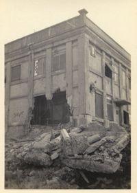 沖縄、東京駅、敷設艦「常磐」…空襲の爪痕が克明に 終戦直後を伝える写真