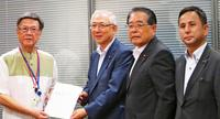 翁長知事、菅氏と公明に要請 振興予算3400億円超とMICE施設支援