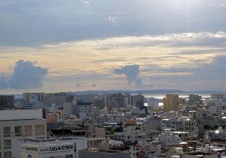 明日は曇り、一時雨が降る見込み