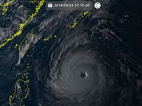 台風24号(チャーミー)「猛烈」に発達、沖縄の南で停滞か