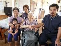 沖縄の救急ヘリが救った、101歳おばぁ 「おかげで元気に」救急救命士に感謝