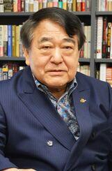 尖閣諸島や米軍基地の問題などについて語る寺島実郎さん=9日、都内