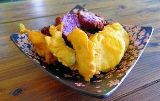 出来たてでおいしい天ぷらとサタパンビン