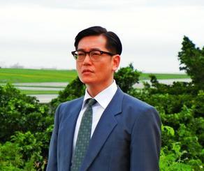 沖縄ロケも行われた「返還交渉人」の一場面