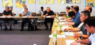 鉄軌道の導入を議論した関係機関等意見交換会=28日、那覇市の県南部合同庁舎