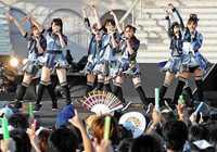 AKB48総選挙、梅雨時季になぜ沖縄で? 雷注意報の場合「無観客で実施」