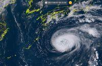 台風5号:大東島地方、今夜にも強風 沖縄本島は5日暴風のおそれも