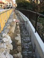明治以前に造られたとみられる全長約60メートルの旧水路=22日、那覇市首里