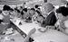 ドルから円に交換 沖縄経済を支配し続けたドルは復帰と同時に円に交換された=1972年5月15日、那覇市・琉球銀行本店