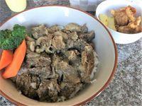 八重瀬町のステーキハウスエブリーチョイスで牛すじ丼を食べたの巻 運転手メシ(269)