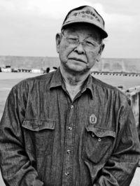 [ひと粋]/西里成一さん(77)/元はやて海運機関長/島民の足 50年超担う