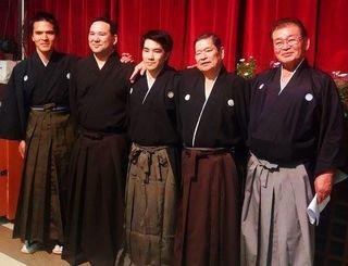 (左から)稲福フェルナンドさん、前外間レイナルドさん、栄口アリハンドロさん、新垣正吉さん、与那嶺義勝さん