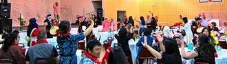 沖縄への思いを大事にし、親睦会に集まる会員やゲストたち=アトランタ市郊外