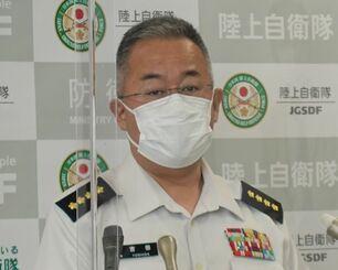 記者会見する吉田圭秀陸上幕僚長=24日、防衛省