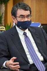 インタビューに答える河野太郎沖縄担当相=13日、内閣府