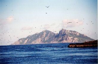 尖閣諸島=2005年5月(沖縄タイムス社提供)