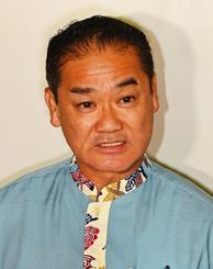 県知事選への出馬を正式に表明した佐喜真淳宜野湾市長=14日午後、宜野湾市役所