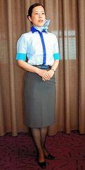 2014年冬から着用開始するANA客室乗務員の新制服=10日、那覇市内