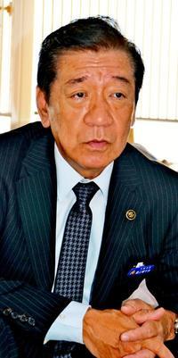 1万人アリーナ早期完成図る 沖縄市長再選・桑江朝千夫氏に聞く