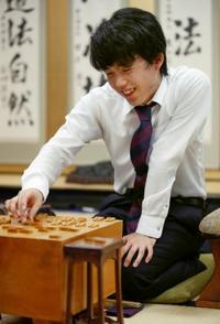藤井聡太七段が最年少新人王 将棋、31年ぶり記録更新