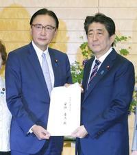 首相、拉致議連申し入れ書受理 日朝首脳会談「解決に資する」