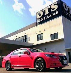 OTSレンタカーが導入したピンククラウン