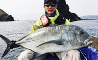 [有釣天]慶良間の磯で19キロのロウニンアジ