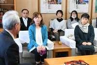 「外で遊ばせたいだけ」 部品落下の保育園保護者、飛行中止求め沖縄県に嘆願書