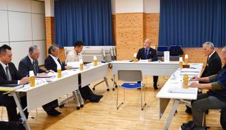 最終案を取りまとめる「普及・啓発」検討部会=16日、豊見城市の沖縄空手会館