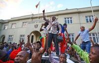 元側近が新大統領就任へ ジンバブエ、22日に発表