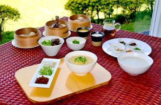 東南植物楽園の台湾朝食
