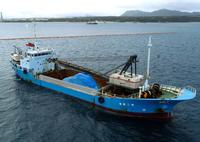 デニー知事、安倍首相との会談要望 辺野古の海に土砂運搬船