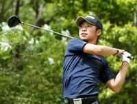 男子ゴルフ、アマの久保田が首位 関西オープン第3日