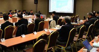 日台両政府機関の事務レベル会合。操業ルールの策定に向けて、議論した=22日、台北市の集思台大會議センター