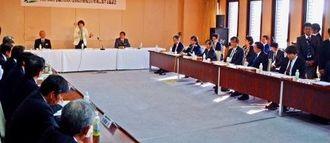 島尻沖縄担当相らも出席して開かれた西普天間住宅地区の国際医療拠点に関する協議会=12日、宜野湾市・ジュビランス