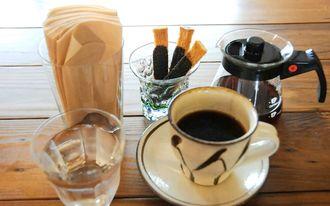 人気のピュアキャッスルブレンドとラスク。コーヒーはブラックがおすすめ