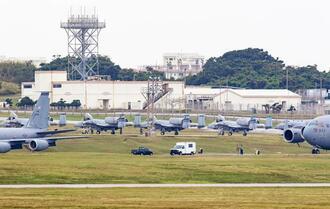 米軍嘉手納基地に飛来したA10サンダーボルト対地攻撃機=7日(読者提供)