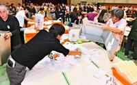 辺野古どうなる? 沖縄県民投票、知事「不許可」の後ろ盾に
