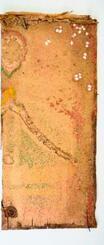 修復前の龕の側面。描かれた僧侶の絵は、土ぼこりや虫のふんで判別できない状態だった