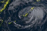 台風10号:本島中南部、久米島、大東島地方の暴風警報解除
