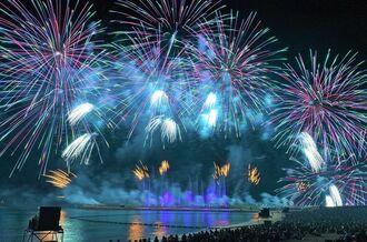 昨年9月16日に宜野湾トロピカルビーチで行われた安室奈美恵さんの引退ラストデー花火