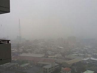 梅雨前線の影響で強い雨が続いている沖縄本島地方