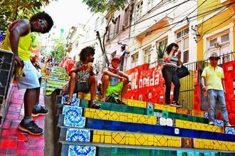 リオの観光名所「セラロンの階段」=8日