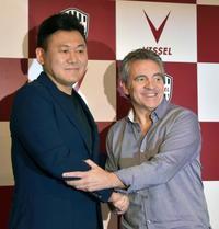 J1神戸、リージョ氏が新監督に 吉田監督の退任で