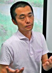 「昔と今の世が地続きであることを見てほしい」と語る首都大学東京の渡邉英徳准教授