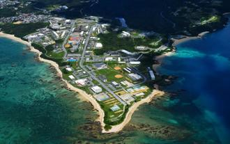 新基地建設が予定されているキャンプ・シュワブ=2016年7月22日、名護市辺野古(本社チャーターヘリから)